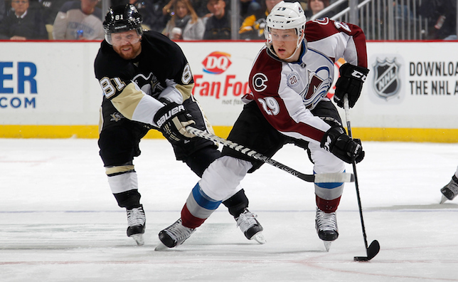 Avalanche-vs-Penguins-Recap-111915.jpg